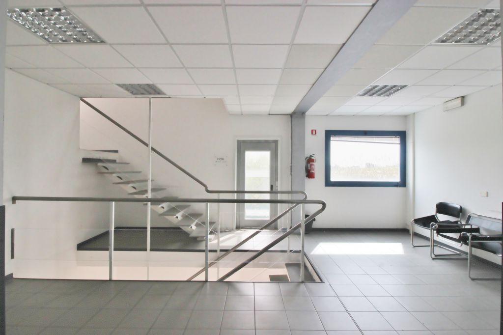 ufficio in affitto a massarosa montramito rif aff uff223 On ufficio 0 3 viareggio