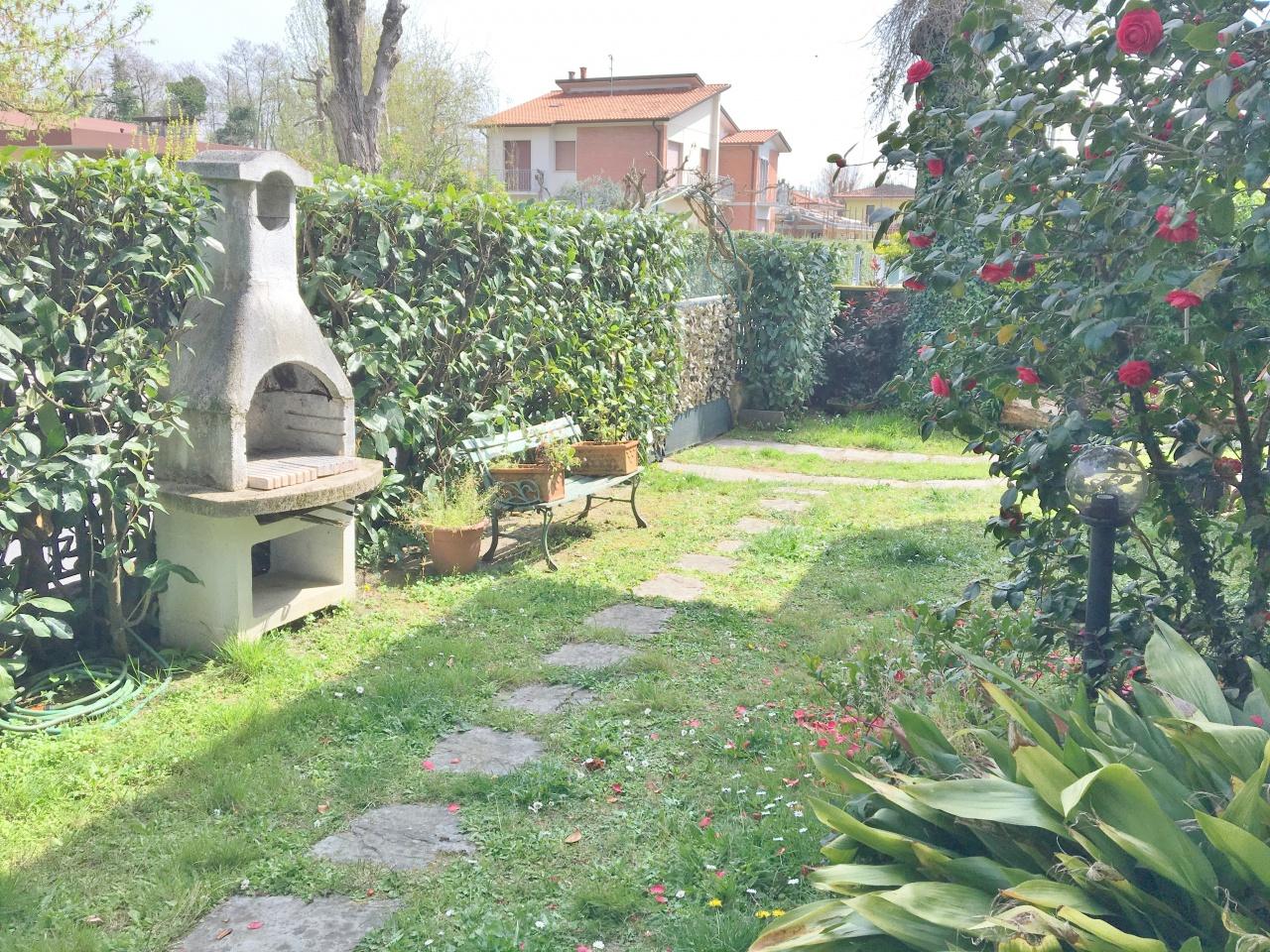 Villa in vacanze a pietrasanta marina di pietrasanta rif - Bagno lido fiumetto ...
