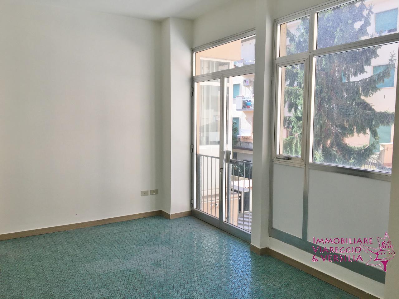 Ufficio in affitto a viareggio centro rif aff uff271 for Centro ufficio