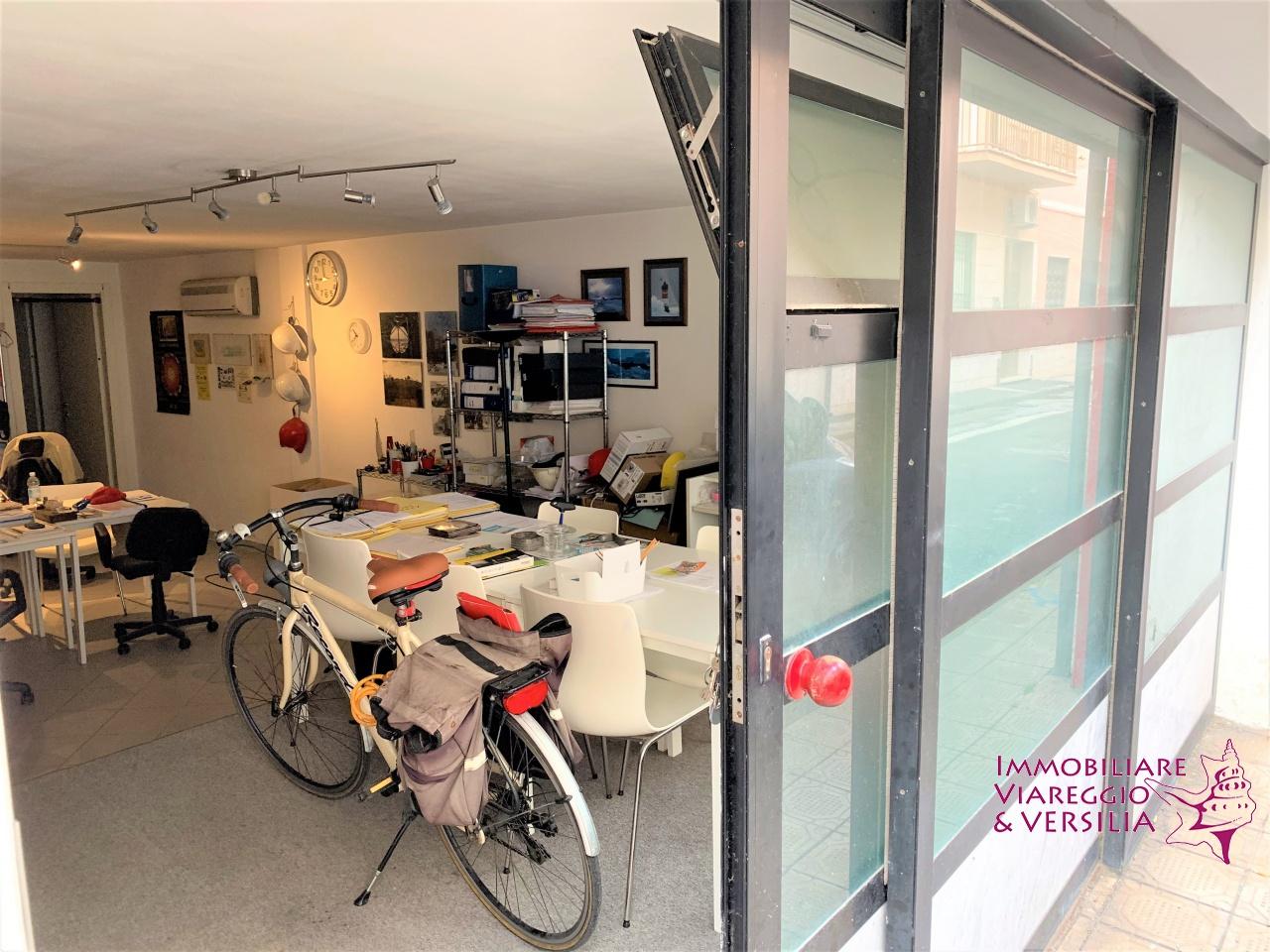 garage vendita viareggio centro