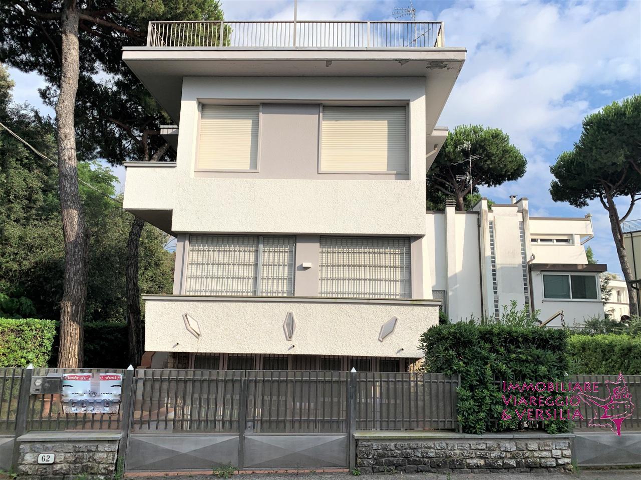 villa vendita viareggio citta' giardino